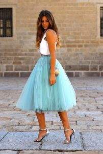 turquoise-tulle-skirt-outfit-midi